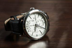 wristwatch-407096_1920
